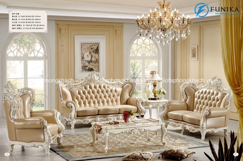 Những chiếc ghế sofa cổ điển châu Âu màu trang nhã như vàng ánh bạc thế này cũng rất hot mùa hè năm nay