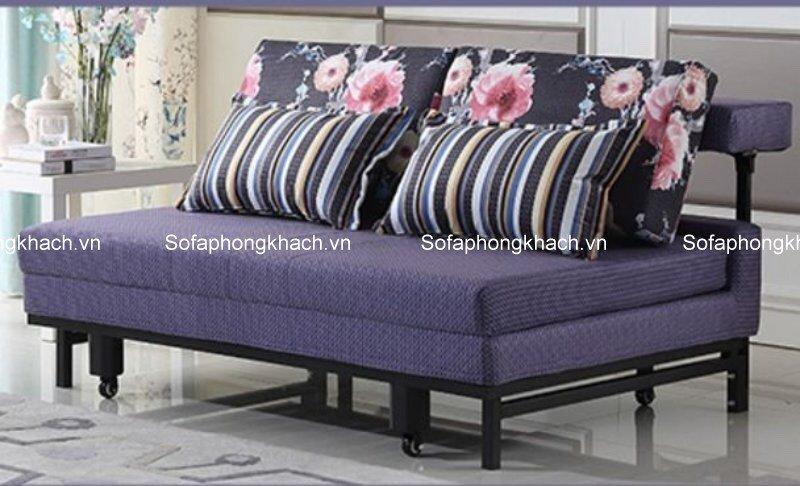 Sofa giường vải hoa thích hợp nhất khi kết hợp với bàn trà thông minh, mang lại vẻ đẹp hài hòa và ấn tượng.