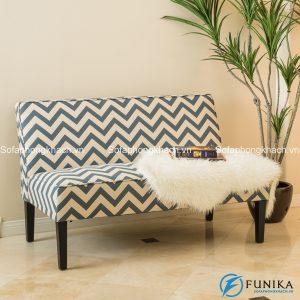 Chiếc sofa màu đen trắng có họa tiết chữ V thời thượng