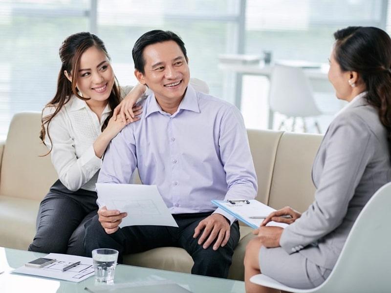 Nhân viên tư vấn và chăm sóc khách hàng nhiệt tình